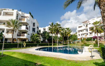 SOLD VENDIDO – New Listing – La Cala de Mijas – 2 bedrooms 2 bathrooms apartment. 196.000€